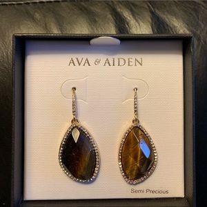 NIB Ava & Aiden Earrings